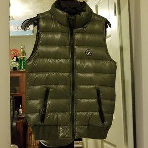 AE Puff vest Size Small